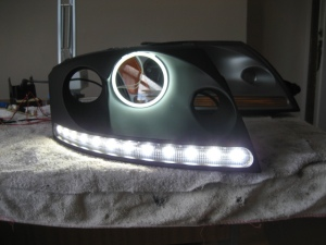 Right LED headlight with angel eyes - Audi TT