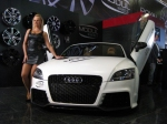 Audi-TT-8J-MK2-sexy-tuning-babe-at-show-2