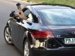 Audi-TT-8N-MK2-sexy-legs-out-the-window