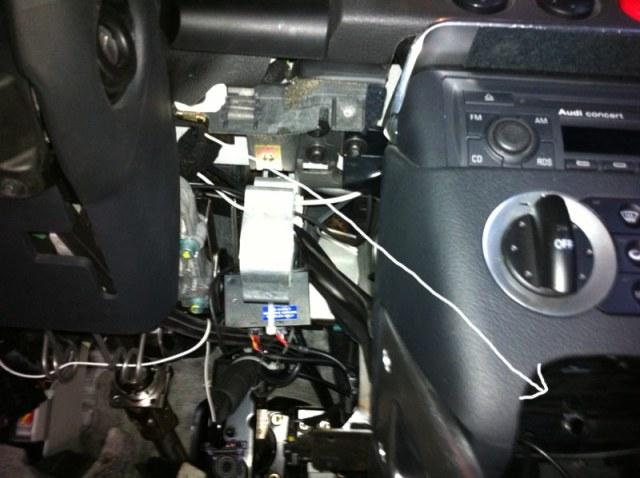 Audi-TT-MK1-8N-Gauge-Wiring-Through-Dash-4