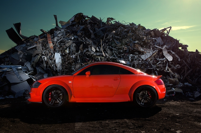 Audi-TT-Hobbs-photoshoot-at-the-pit-side-s